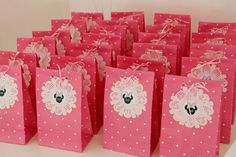 bolsitas golosineras - Buscar con Google Minnie Mouse Theme, Minnie Mouse Baby Shower, Birthday Bag, Happy Birthday, Party Bags, Party Favors, Xmas Pictures, Ideas Para Fiestas, Mouse Parties
