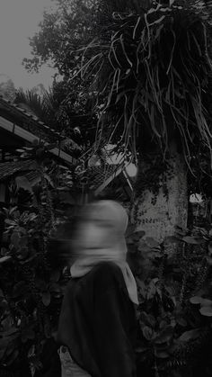 Cute Tumblr Pictures, Cool Girl Pictures, Cute Couple Pictures, Aesthetic Photo, Aesthetic Girl, Aesthetic Pictures, Teen Girl Photography, Shadow Photos, Girl Hiding Face