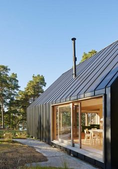 House Husarö by Tham & Videgård Arkitekter Tham & Videgård Arkitekter have designed a family vacation home, located in the outer Stockholm archipielago Residential Architecture, Modern Architecture, Zinc Cladding, Roof Cladding, External Cladding, Modern Barn House, Barn House Design, Modern Garage, Casas Containers