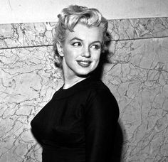 On 29 February 1956 Marilyn appears in the Municipal Court in Beverly Hills, charged with driving without a license in 1954.