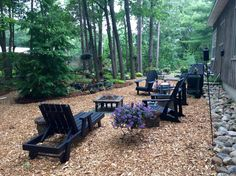 Fresh coat of black paint on chairs Woodland Garden, Backyard, Patio, Outdoor Furniture Sets, Outdoor Decor, Chairs, Fresh, Coat, Painting