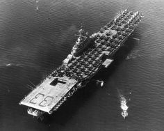 Overhead view of the carrier Kearsarge (CV taken at Argostoli, Greece, in the late Us Navy Aircraft, Navy Aircraft Carrier, Essex Class, Uss Kearsarge, Ticonderoga Class, Navy Carriers, Us Navy Ships, Flight Deck, United States Navy