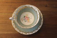 Antique Paragon Mint Green Gold Roses Pink Tea Cup Teacup Saucer Flower bouquet