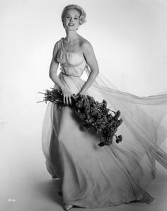 All our Tippi Hedren Pictures, Full Sized in an Infinite Scroll. Tippi Hedren has an average Hotness Rating of between (based on their top 20 pictures) Old Hollywood Glamour, Hollywood Fashion, Golden Age Of Hollywood, Vintage Hollywood, Hollywood Actresses, Classic Hollywood, Actors & Actresses, Hollywood Icons, Hollywood Star