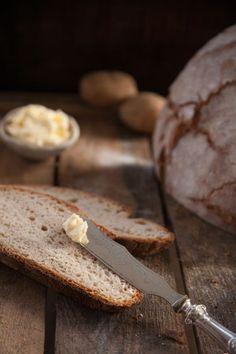Kartoffel-Dinkel-Brot-Sauerteig... - http://back-dein-brot-selber.de/brot-selber-backen-rezepte/kartoffel-dinkel-brot-sauerteig/