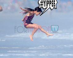 #KatieHolmes & #SuriCruise Spent HAPPY Day @ The Beach :)