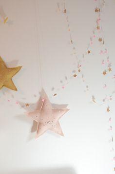 Twiggy & Lou star garland for estelle Star Garland, Bunting Garland, Diy Garland, Felt Garland, Buntings, Festa Party, Diy Party, Deco Pastel, Deco Kids