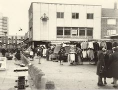 A Market near Wapping in East London England in the East End London, Old London, Street Image, Street View, Isle Of Dogs, Bethnal Green, London Pictures, Old Images, London Life