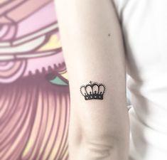 corona tatuajes de brazo
