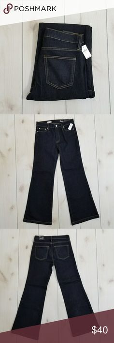 NWT Gap1969 Women's Short Authentic Flare Jeans * Size: 29s * Authentic Flare, Mid Rise Stretch * Excellent Condition  * From a smoke & pet free home Gap1969 Jeans Flare & Wide Leg