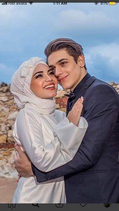 Cute Muslim Couples, Muslim Girls, Romantic Couples, Cute Couples, Hijab Wedding Dresses, Hijab Bride, Best Couple Pictures, Hijab Makeup, Muslimah Wedding
