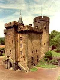 Chateau Dauphin de Pontgibaud Auvergne Puy de dome castle chateau fort