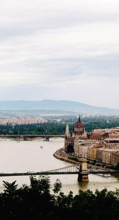 http://meriamber.tumblr.com/ budapest hungary scenery danube bridge stunning