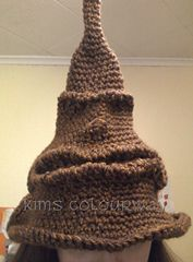 I know absolutely nothing about Harry Potter. Never seen any of the movies or read any of the books but i know there's millions of HP fans, so here ya go...  Ravelry: Free Harry Potter Sorting Hat pattern by Allison Hoffman