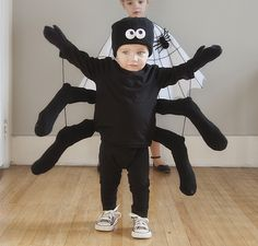 easy diy spider and spider web costumes | pretty plain janes