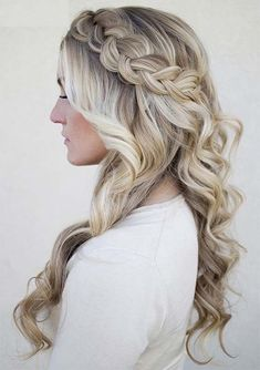 The prettiest half up half down hairstyles for wedding day you really need to wear in this year. If you can't decide the among the wedding updos and various kinds of braids then must see here to choose the most awesome trends of wedding and bridal haircuts for 2018. These are suitable wedding hair ideas for 2018. #weddingdayhair