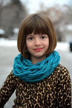 Arm knit a child's cowl