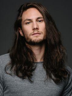 capelli lunghi maschio
