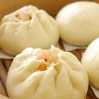 Easy But So Juicy! Hot and Fluffy Steamed Pork Buns (Nikuman) - for my meat free, I prefer shrimps buns