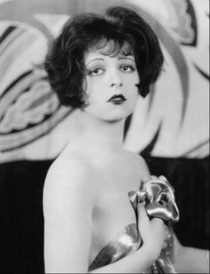 """The """"It"""" Girl Clara Bow silent film actress Vintage Hollywood, Hollywood Glamour, Hollywood Stars, Hollywood Actresses, Classic Hollywood, Classic Actresses, Hollywood Icons, Louise Brooks, Josephine Baker"""