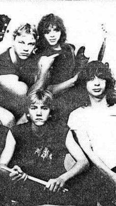 Triton 1985 - Csarnoki Antal gitár (a képről lemaradt), Juhász Attila ének, Kun Péter Kunos gitár, Tobola Csaba dob, Bárkányi Zsolt basszusgitár