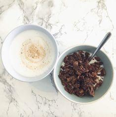 Breakfast for Champions 🥇 Futter für den Bizeps 🍼 💪 mit dem neuen Proteinmüsli Kakao! 💪Leeeeeeckerschmecker 💪Handgemacht in 🇦🇹 💪Extrem knusprig weil es bei niedriger Temperatur viele Stunden gebacken wird 💪Beste Zutaten 💪Hält lange satt 💪Ohne: Soja, Gluten, Zucker, Getreide 👉— www.jajas-lowcarb.com — #livinglavidalowcarb#jajas #jajaslowcarb#weightwatchersdeutschland #keto#schlemmen #müsli #lowcarbmüsli#lowcarbfrühstück #paleo#lowcarbfrühstück #sojafrei#abnehmen2019 Protein, Kakao, Gluten, Cereal, Champions, Breakfast, Food, Food Food, Cereal Recipes