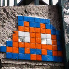 Street art-Space Invader (paris #3)