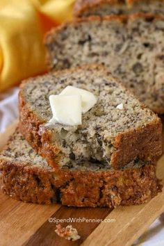 This is an easy Banana Bread recipe that makes soft and moist banana bread. Once you try this, it'll become your go-to to use ripe bananas. #spendwithpennies #bananabread #easybananabread #quickbananabread #nofail #nofailbananabread Banana Nut Crunch, Quick Banana Bread, Banana Nut Bread, Strawberry Banana Bread, Cinnamon Crunch, Nut Bread Recipe, Easy Bread Recipes, Banana Bread Recipes, Recipe Recipe