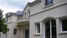 Spécialiste de la pierre, du bois et de la brique, Maisons Bell offre des prestations de qualité dans le domaine de la construction de maisons