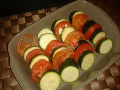 PRAZERES SAUDÁVEIS: Gratinado de Corgette com Tomate e Alho Francês
