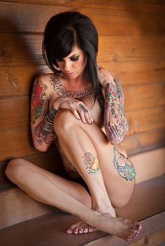 Tattooed grrrl
