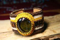 Βραχιολι χειροπεδη κεντημενη με χαντρες σπορους TOHO και πετρα -Bracel – Handmade Greek Jewellery