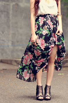 Perfect floral maxi skirt for spring