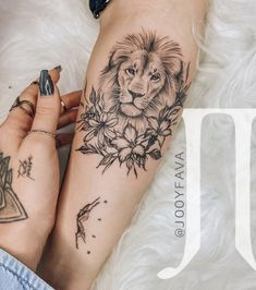 Forarm Tattoos, Dope Tattoos, Pretty Tattoos, Body Art Tattoos, Sleeve Tattoos, Small Lion Tattoo For Women, Hand Tattoos For Women, Tattoos For Kids, Small Tattoos