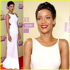 Best look I have seen Rihanna rock at VMAs 2012 Red Carpet