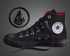 Dauntless Converse Sneakers idk what board to pin this on! Converse Design, Converse Style, Outfits With Converse, Converse Sneakers, Converse Chuck, Converse All Star, Taylors Gang, Chuck Taylors, Punk Shoes