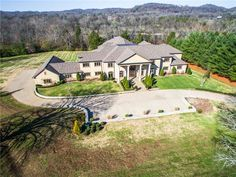 6261 Hillsboro Pike, Nashville, TN 37215 | LeadingRE