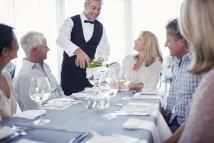Going out to eat? Check out this Complete Restaurant Dining Guide for People with Food Allergies