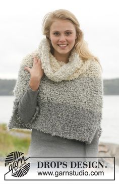 """The Mist - Set consists of: Knitted DROPS poncho and detachable collar with stripes in """"Puddel"""". Size: S - XXXL. - Free pattern by DROPS Design Capelet Knitting Pattern, Sweater Knitting Patterns, Knitted Poncho, Knitted Shawls, Knitting Designs, Free Knitting, Fair Isle Knitting, Crochet Patterns, Drops Design"""