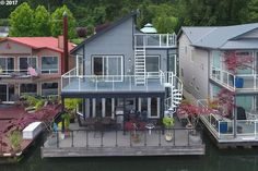6 Houseboats For Sale Right Now – Life At Home – Trulia Blog