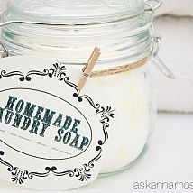 Download this free printable to make your laundry detergent into cute gifts or just look cute in your laundry room!