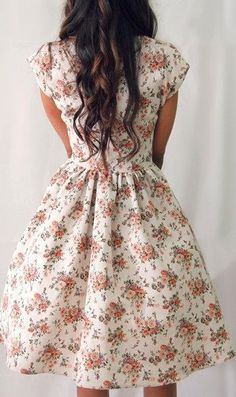 Love this vintage floral print! :: Summer Dress:: Floral Bridesmaid Dress:: Vintage Style:: Tea Party