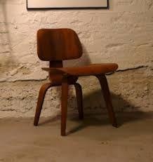 Kuvahaun tulos haulle tanskalainen design Stool, Chair, Furniture, Design, Home Decor, Products, Decoration Home, Room Decor, Stools