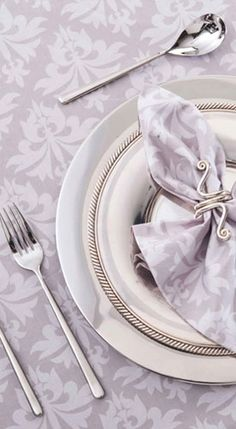 napkin and a pretty holder #Lavender Weddings