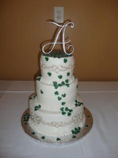 Irish wedding cake- need to show this to my future SIL!
