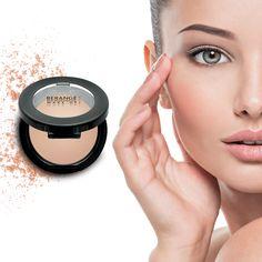La poudre compacte Beige Parfait Berangé Make Up magnifie votre teint pour un teint matifié et sans défaut.   #makeup #beauty