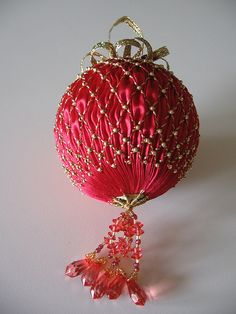 ornament 2007 by tw7424, via Flickr