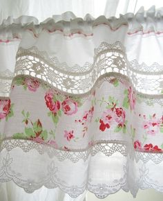 6 Fun Tips AND Tricks: Yellow Curtains Aesthetic curtains ideas shabby chic.Too Long Curtains curtains ideas shabby chic.Curtains Behind Bed Dorm. Cottage Shabby Chic, Shabby Chic Mode, Style Shabby Chic, Shabby Chic Kitchen, Rose Cottage, Shabby Chic Decor, Country Kitchen, Vintage Kitchen Curtains, Kitchen Buffet