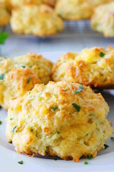 Red Lobster Cheddar Bay Biscuits - The Anthony Kitchen Red Lobster Biscuits, Cheddar Bay Biscuits, New Recipes, Cooking Recipes, Favorite Recipes, Bread Recipes, Easy Recipes, Copykat Recipes, Kitchens