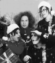 "Frank: ""OMG Gerard yur so pretty!"" Gerard: ""WAIT WHAT IS THAT OVER THERE? MIKEY DO YOU SEE…?"" Mikey: ""Shut it Gerard, I'm trying to smile for the camera."" Ray: ""I'm surrounded by idiots."""